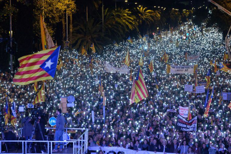 Over a Million Protesters March in Barcelona to Call for the Release of Catalan Political Prisoners